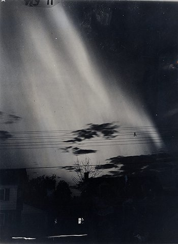 Aurora spawned by a geomagnetic storm over Bergenfield, N.J., September 1941.