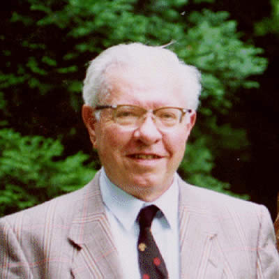 The astronomer Fred Hoyle.